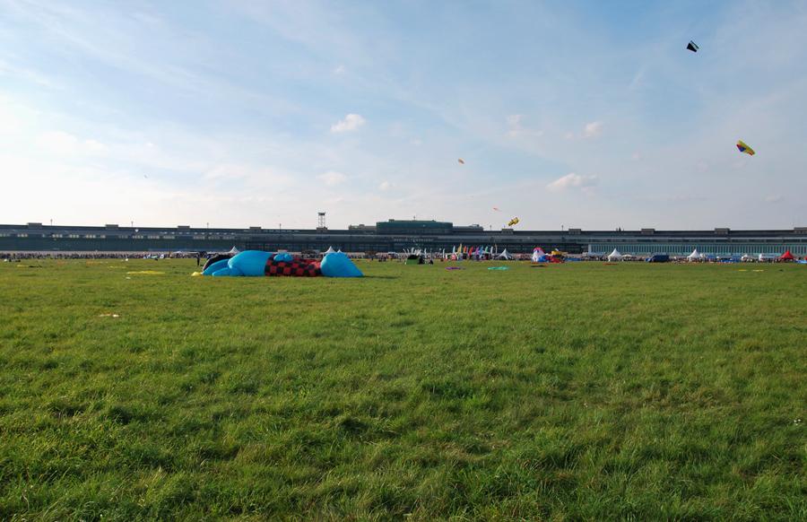 Riesendrachenfest Tempelhofer Feld