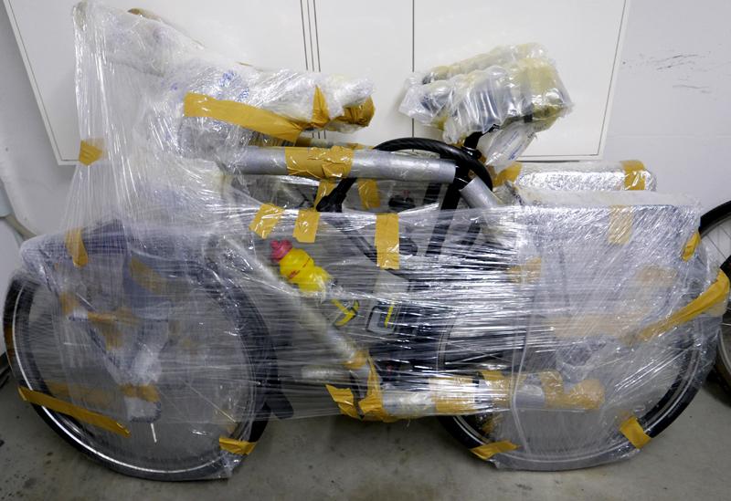 Fahrräder flugbereit verpackt